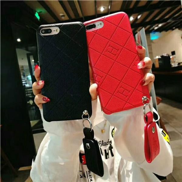 hermes iPhone 12/12 pro max/xr/xs max/xs/se2ケース エルメス Iphone8/7 plus/12 pro maxスマホケース ブランド Iphone6/6s Plus Iphone6/6sカバー ジャケット ペンダント付き シリコン製
